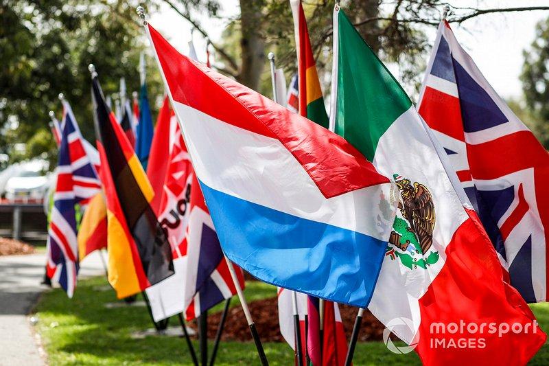 Banderas en Albert Park