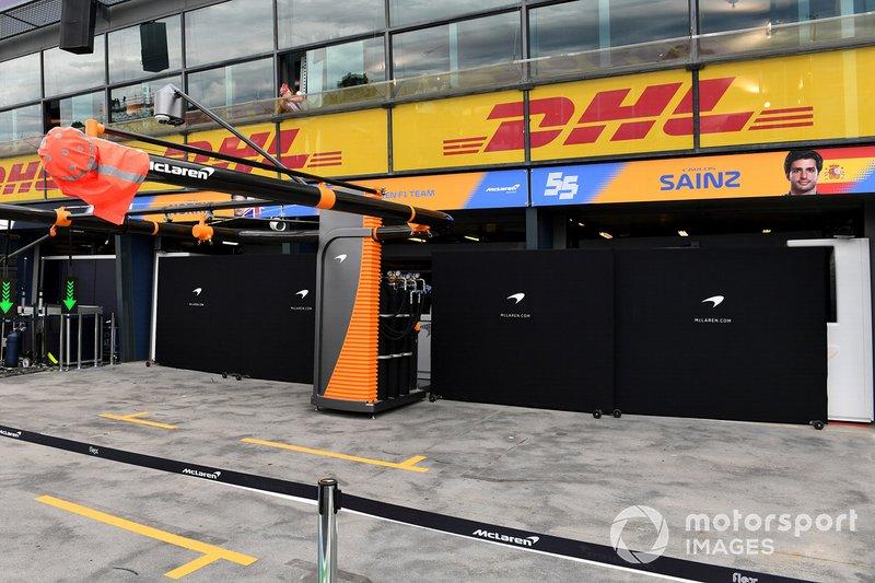 Um funcionário da McLaren testou positivo para o Covid-19 e a equipe decidiu não participar do evento.