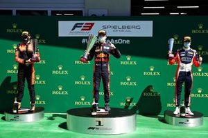 Podium: Race winner Liam Lawson, Hitech Grand Prix, second place Richard Verschoor, MP Motorsport, third place Clement Novalak, Carlin Buzz Racing