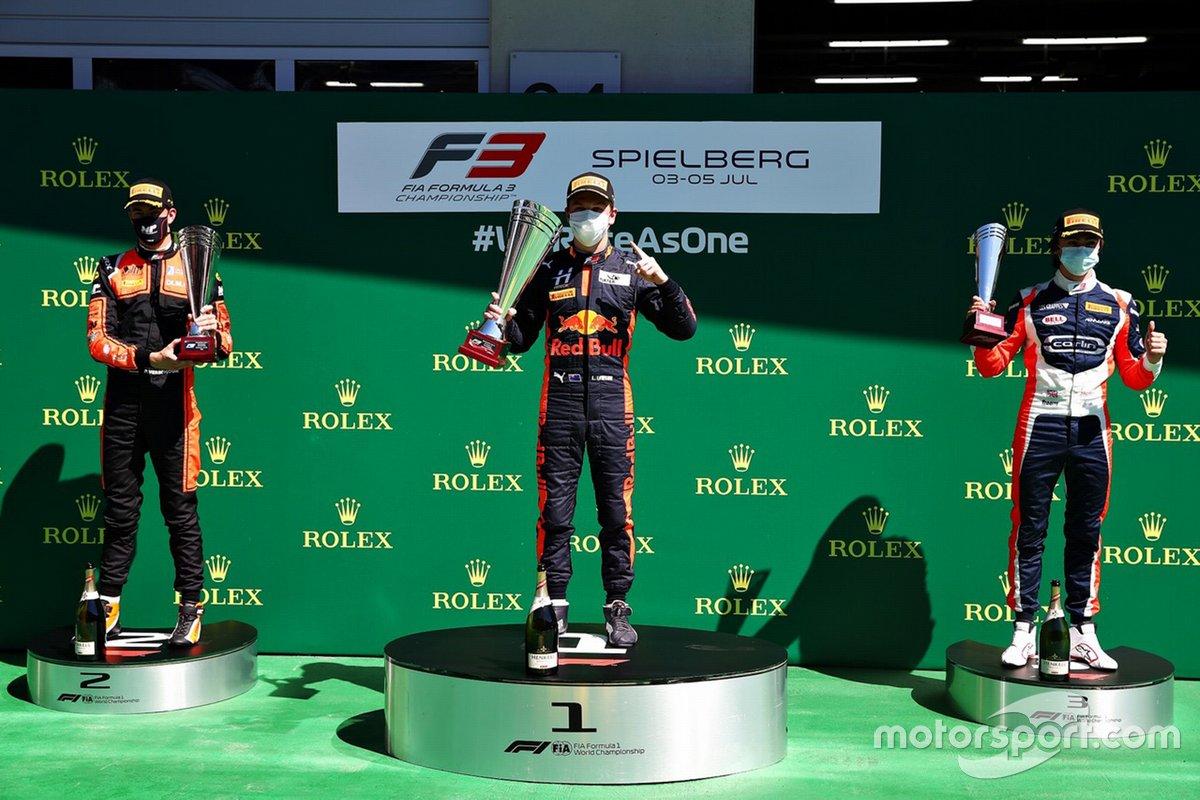 Podio: Liam Lawson, Hitech Grand Prix, Richard Verschoor, MP Motorsport, Clement Novalak, Carlin Buzz Racing