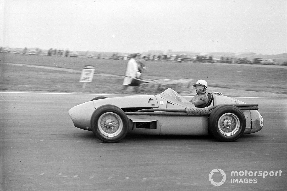 Лучшим представителем Maserati в итоге стал опытный француз Жан Бера, финишировавший третьим с отставанием в два круга