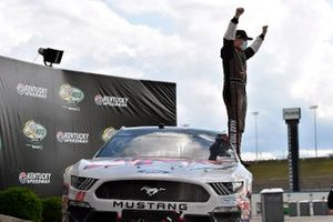 Race Winner Cole Custer, Stewart-Haas Racing, Ford Mustang