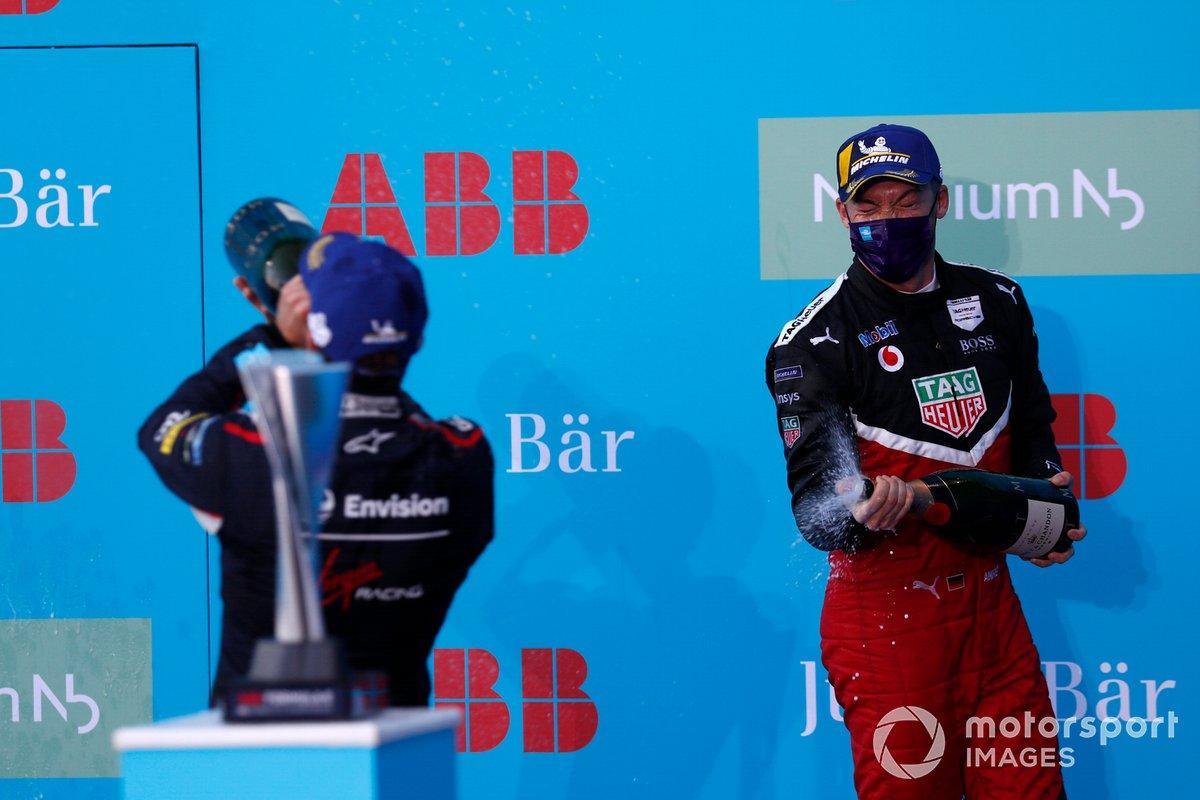 Podio: segundo lugar Andre Lotterer, Tag Heuer Porsche, Porsche 99x Electric
