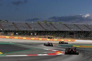 Daniel Ricciardo, Renault F1 Team R.S.20, Kimi Raikkonen, Alfa Romeo Racing C39, Max Verstappen, Red Bull Racing RB16