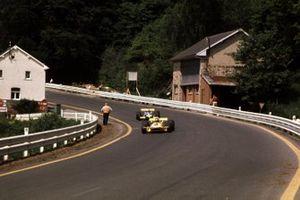 Ronnie Peterson, March 701, Derek Bell, Brabham-Ford