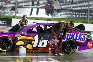 Kyle Busch, Joe Gibbs Racing, Toyota Camry Snickers Peanut Brownie