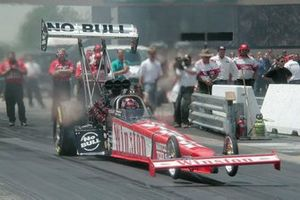 Gary Scelzi wins Top Fuel