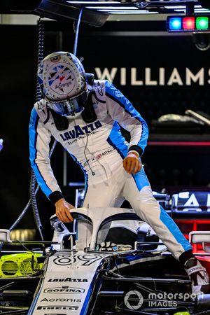 Jack Aitken, Williams FW43, climbs into his car