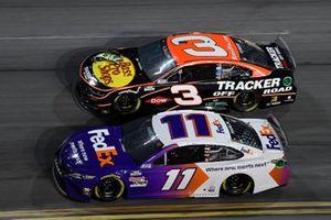 Denny Hamlin, Joe Gibbs Racing Toyota, Austin Dillon, Richard Childress Racing Chevrolet