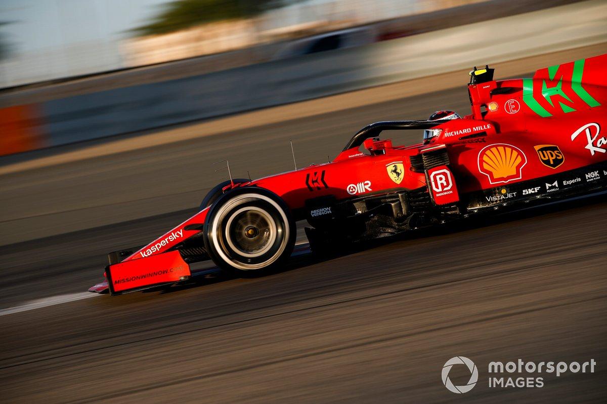 3. Ferrari SF21: 404 vueltas (2186,448 km)