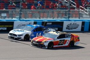 Bubba Wallace, 23XI Racing, Toyota Camry McDonalds, Chase Briscoe, Stewart-Haas Racing, Ford Mustang HighPoint.com