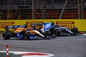 Daniel Ricciardo, McLaren MCL35M, Fernando Alonso, Alpine A521