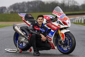 Gino Rea, Hawk Racing Buildbase Suzuki Team