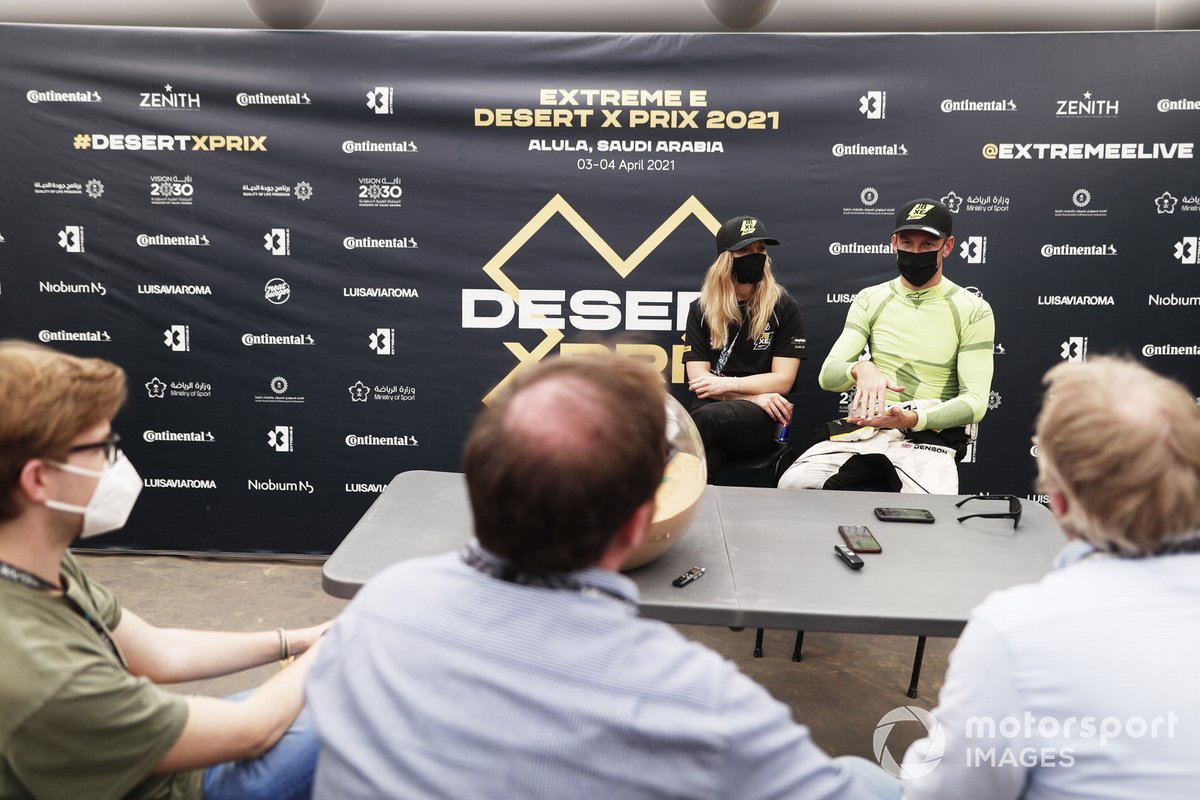 Mikaela Ahlin-Kottulinsky, JBXE Extreme-E Team y Jenson Button, JBXE Extreme-E Team, hablan ante los medios