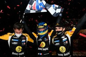Ganadores #5 JDC/Miller MotorSports Cadillac DPi: Tristan Vautier, Sebastien Bourdais, Loic Duval celebran