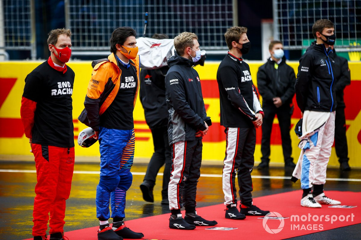 Sebastian Vettel, Ferrari, Carlos Sainz Jr., McLaren, Kevin Magnussen, Haas F1, Romain Grosjean, Haas F1, y George Russell, Williams Racing