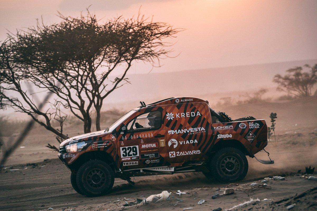 #329 Kreda Toyota: Antanas Juknevicius, Darius Vaiciulis