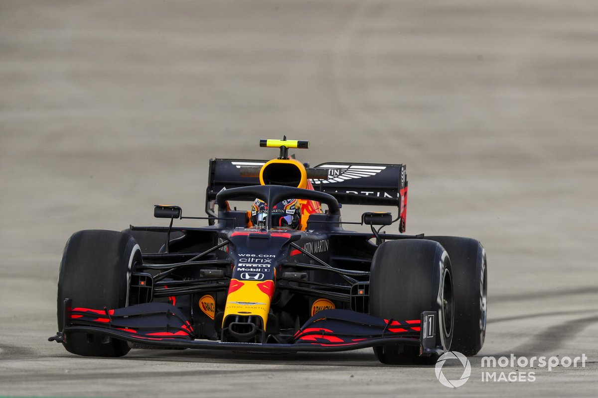 Trompo de Alex Albon, Red Bull Racing RB16