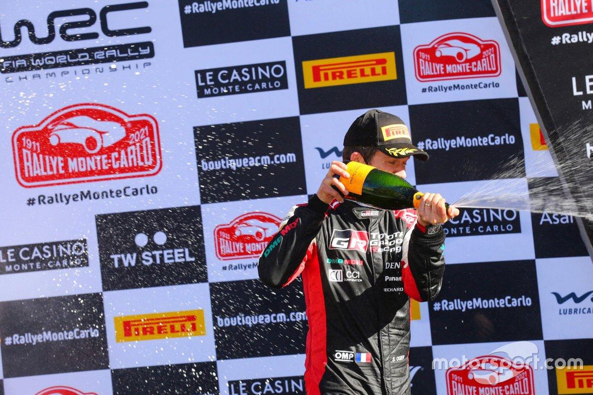 Podio: ganador Sébastien Ogier, Toyota Gazoo Racing