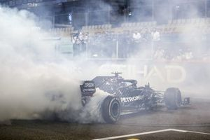 Valtteri Bottas, Mercedes F1 W11, 2nd position, performs donuts at the end of the race