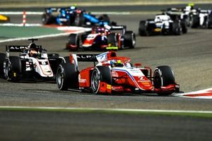 Oscar Piastri, Prema Racing, leads Christian Lundgaard, ART Grand Prix