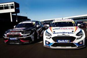 Jack Goff, Team HARD Cupra Leon and Ollie Jackson, MB Motorsport Ford Focus ST