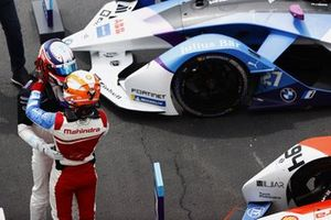 Jake Dennis, BMW i Andretti Motorsport, 1st position, is congratulated by Alex Lynn, Mahindra Racing, 3rd position