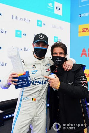 Antonio Felix Da Costa, DS Techeetah, congratulates pole man Stoffel Vandoorne, Mercedes-Benz EQ, with the Julius Baer Pole Position Award
