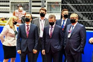 Dmitry Medvedev, Deputy Chairman of the Security Council of Russia, and other dignitaries on the grid prior to the start
