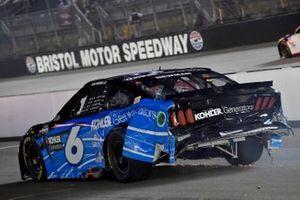 Crash: Ryan Newman, Roush Fenway Racing, Ford Mustang Kohler Generators
