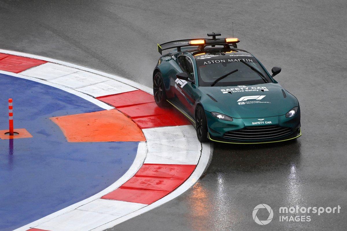 Coche de seguridad Aston Martin