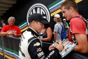 Winner A.J. Allmendinger, Kaulig Racing, Chevrolet Camaro Hyperice, fans