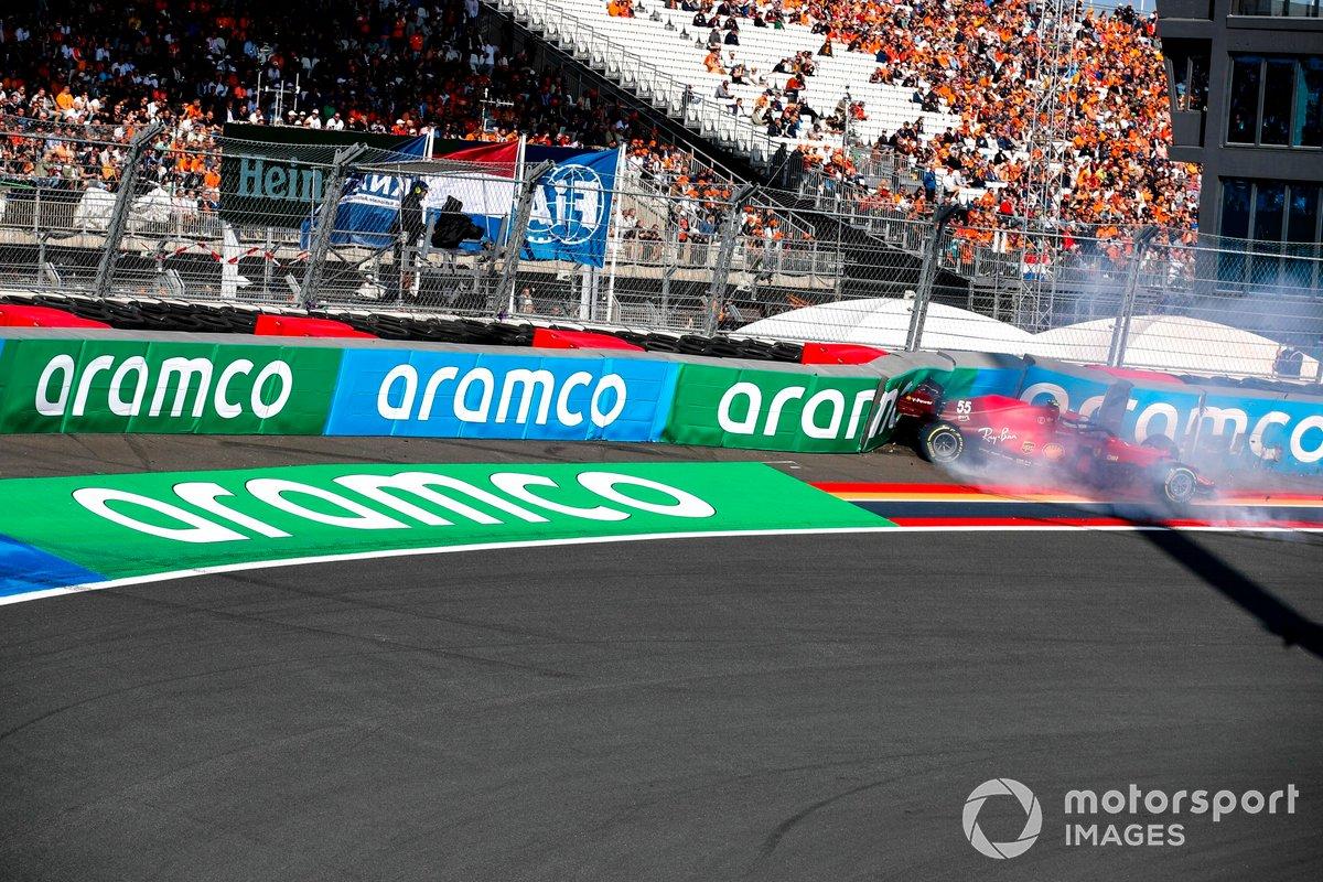 Choque de Carlos Sainz Jr., Ferrari SF21