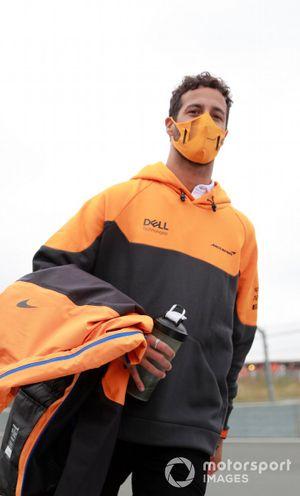 Daniel Ricciardo, McLaren track walk