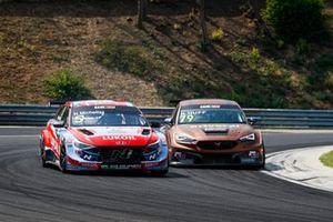 Norbert Michelisz, BRC Hyundai N LUKOIL Squadra Corse Hyundai Elantra N TCR, Rob Huff, Zengo Motorsport CUPRA Leon Competición
