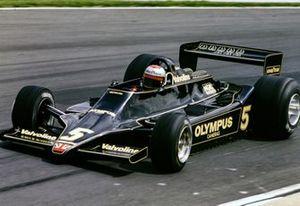 1018443628-SCH-19780716-RS_Ma_Andretti_1978_British_GP_48