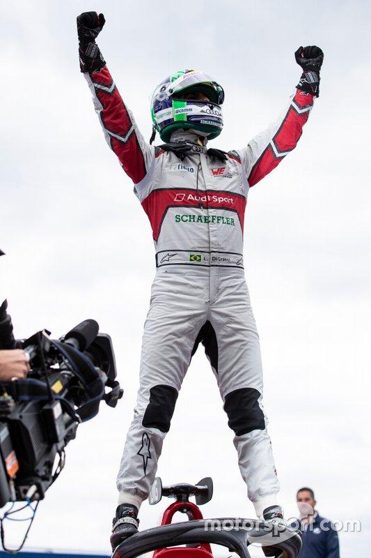 Lucas Di Grassi, Audi Sport ABT Schaeffler, celebra la victoria