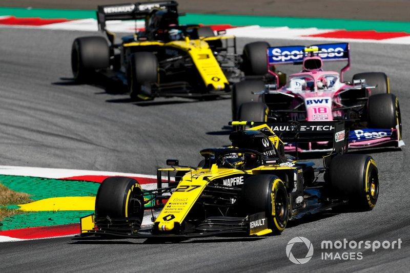 Nico Hulkenberg, Renault F1 Team R.S. 19 precede Lance Stroll, Racing Point RP19 e Daniel Ricciardo, Renault F1 Team R.S.19