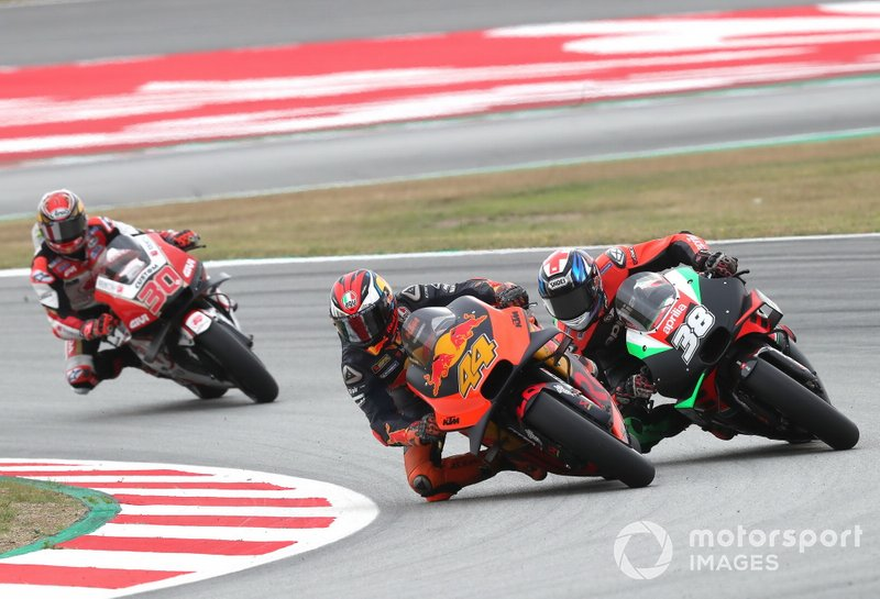 Pol Espargaro, Red Bull KTM Factory Racing, Bradley Smith, Aprilia Racing Team Gresini