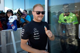 Valtteri Bottas, Mercedes AMG F1 puts a thumbs up