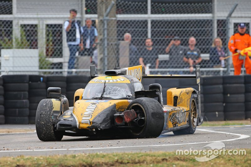 #29 Racing Team Nederland Dallara P217: Nyck de Vries, crash