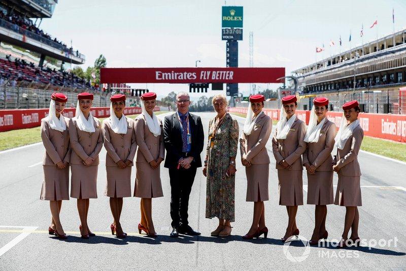 Tripulantes de cabina de pasajeros de los Emiratos Árabes Unidos