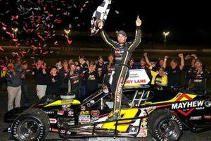 #2 Дуг Коби, Chevrolet, празднует победу