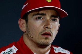 Charles Leclerc, Ferrari, tijdens de persconferentie na de kwalificatie