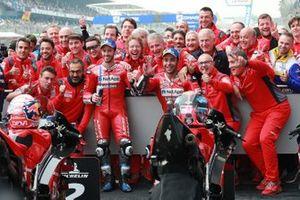 Le deuxième, Andrea Dovizioso, Ducati Team, le troisième, Danilo Petrucci, Ducati Team