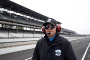 IndyCar pit lane official