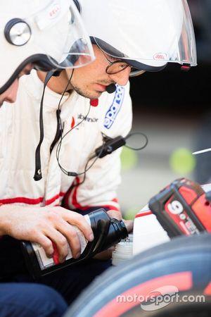 Repairs made to Juan Manuel Correa, Sauber Junior Team By Charouz