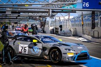 #76 R-Motorsport Aston Martin Vantage AMR GT3: Jake Dennis, Alex Lynn, Marvin Kirchhöfer