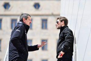 Guenther Steiner en Romain Grosjean, Haas F1