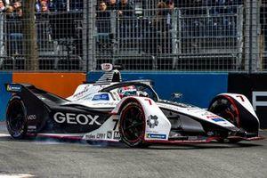 Jose Maria Lopez, GEOX Dragon Racing, Penske EV-3, locks up a tyre